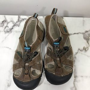 Shoes - Keen pair of women sandals size 6.5